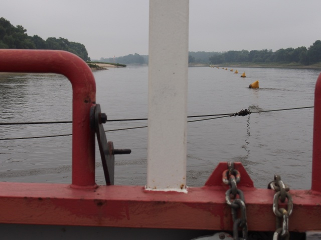 Reaction ferry anchor